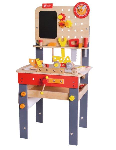 Дървена маса с инструменти – Работилница