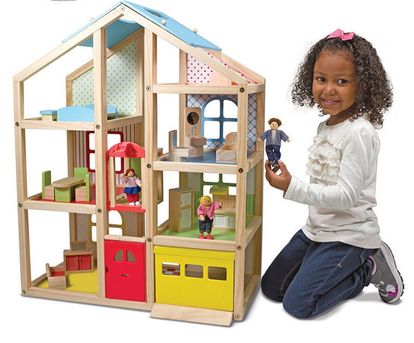 Дървена къща с обзавеждане