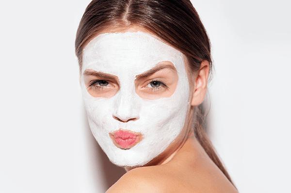 Топ 5 маски за лице с кокосово масло
