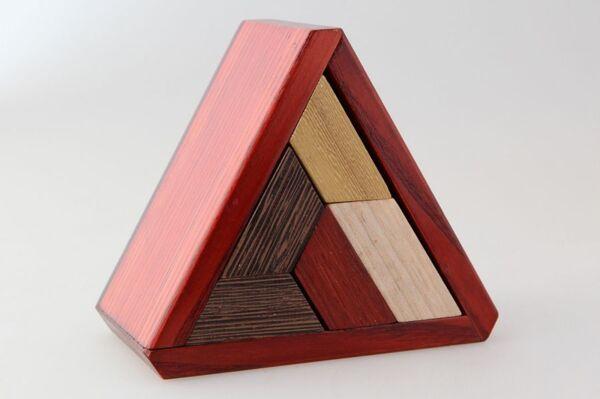 Пъзел Триъгълна кутийка