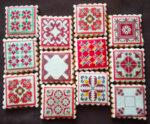 Етно сладки с българска шевица форма квадрат микс