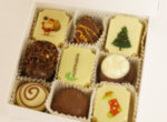 Коледен подарък / Кутия шоколадови бонбони 9 бр с фирмено лого