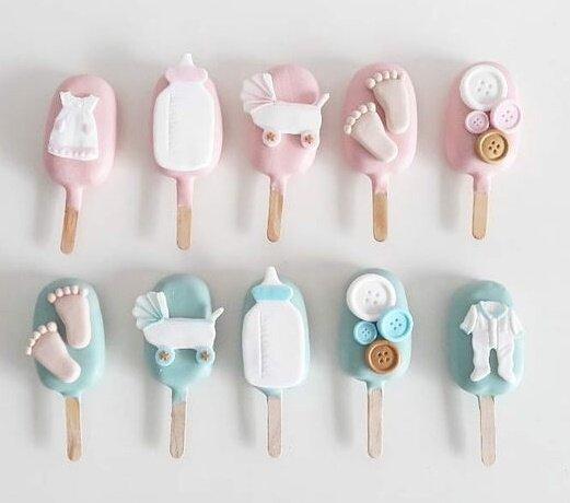 Сладки сладоледи от шоколад с бебешка декорация