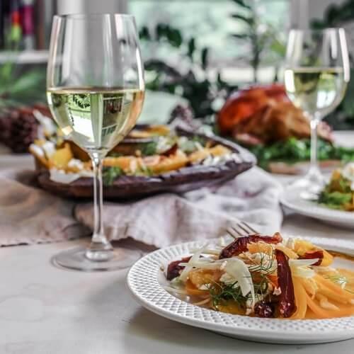 Комбиниране на бяло вино и храна