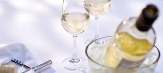 Охлаждане на бяло вино