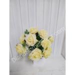 изкуствен букет роза