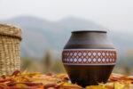 Арома Дифузер Мохана вазичка с декор, тъмно дърво