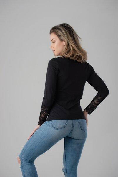 Блуза с дълъг ръкав и дантела