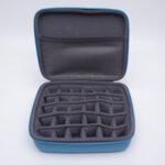 Отворена тюркоазена кутия за съхранение на етерични масла -30 слота
