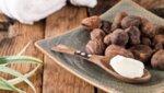 Масло от Карите / Шеа в дървена лъжица