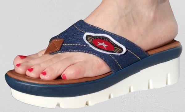 Дънкови дамски чехли Xcess на платформа, между пръстите