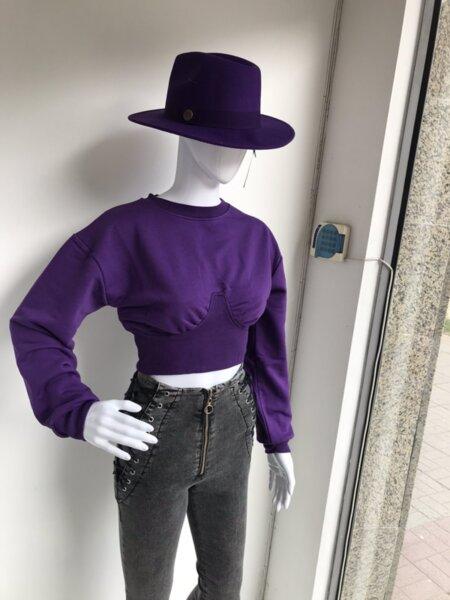 Къса лилава блуза