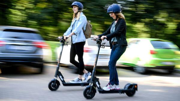 Как да караме безопасно електрическа тротинетка в града?