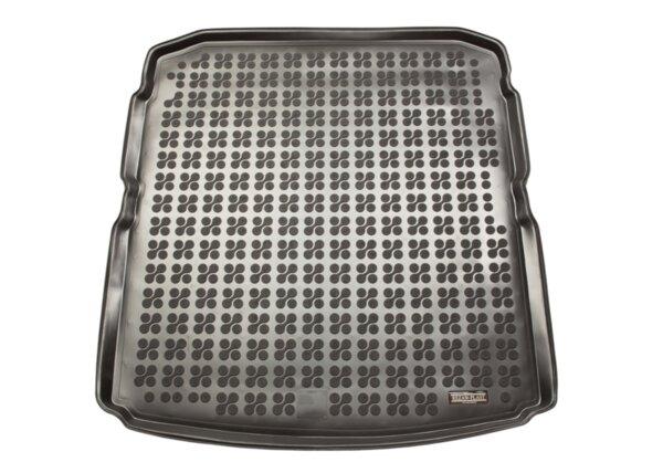 Гумена стелка за багажник на Skoda Superb 3 Liftback модел след 2015 година
