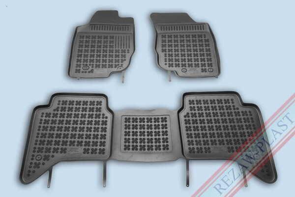 Гумени стелки за Toyota HILUX (AN10, AN20, AN30) 4 - врати - от 2005 до 2015 година