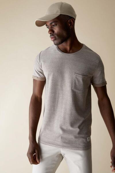 Тениска с джоб