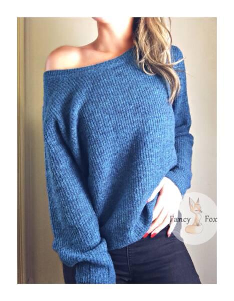 Олекотен пуловер в синьо