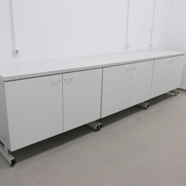 Лабораторна маса 1200х600х900 мм, с две врати