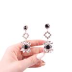 Обеци с черни кристали WONA