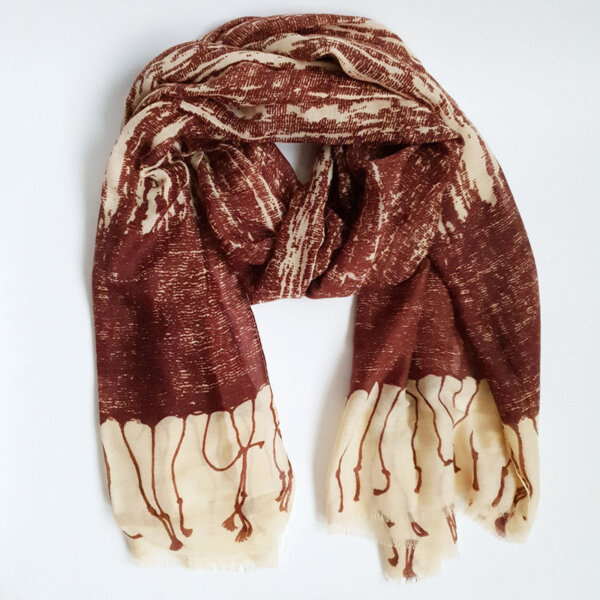 Дамски шал с принт - червен