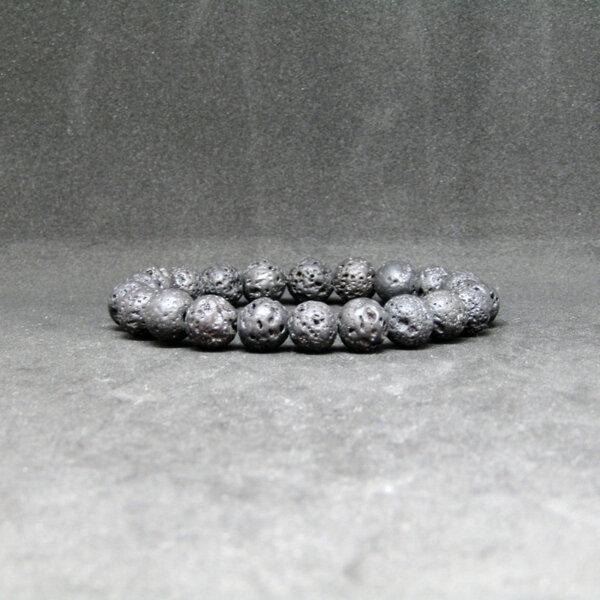 """Гривна от вулканичен камък """"Лава"""""""