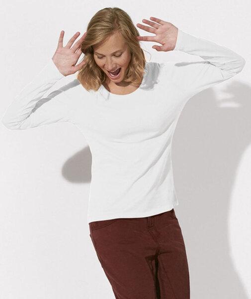 Дамска бяла блуза с дълъг ръкав