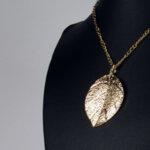 Дамски колие Leaf