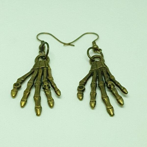 Дамски обеци ръце