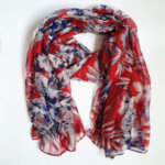 Дамски шал с флорални мотиви - червен