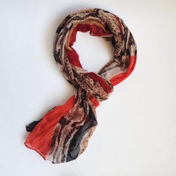 Дамски шал с животниски принт червен