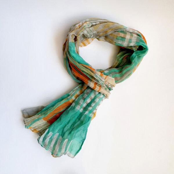 Дамски шал на райе зелен