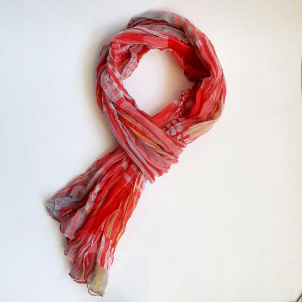 Дамски шал на райе червен