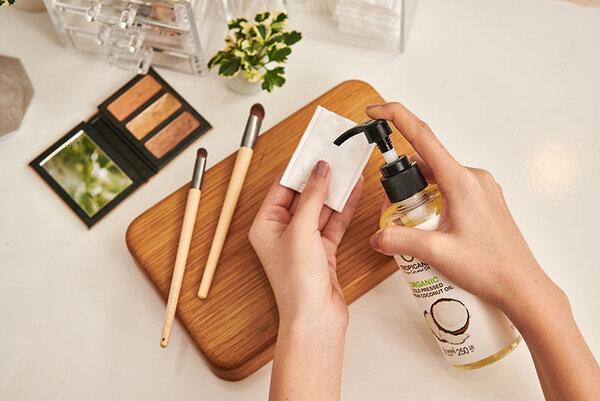 Können Sie Kokosöl für Ihr Gesicht verwenden?