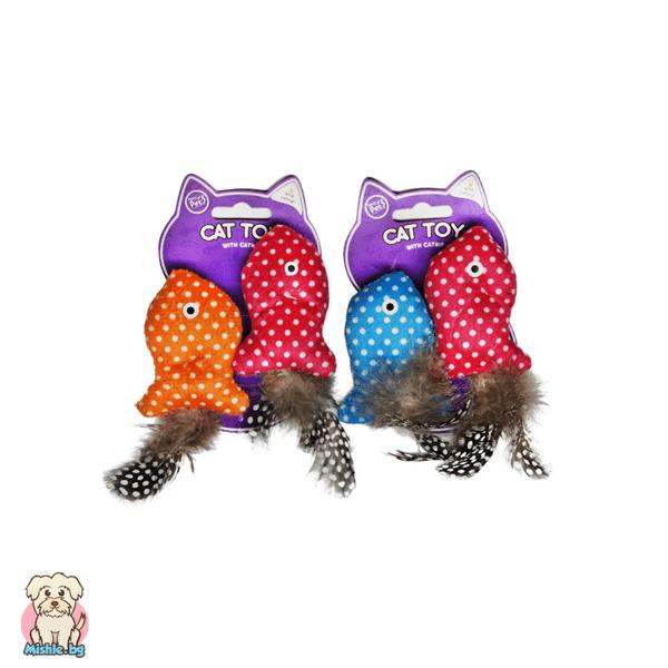 Комплект от 2 рибки с пухкави опашки-пера за коте с котешка мента World of Pets
