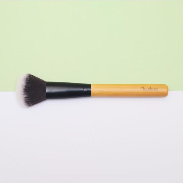 Веган бамбукова четка за контуриране/блендиране - Contour Brush