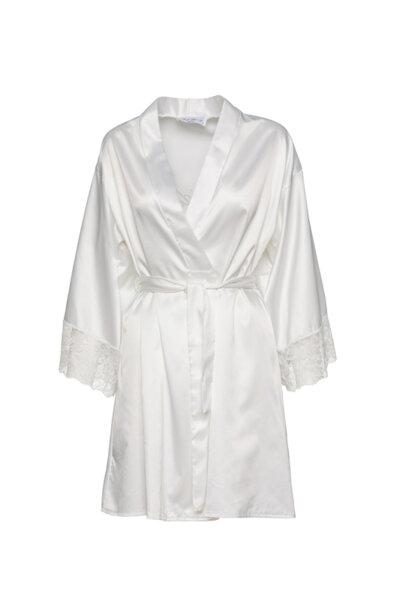 """Бял халат сатен с надпис """"Булка"""" на гърба и дантела на ръкава"""