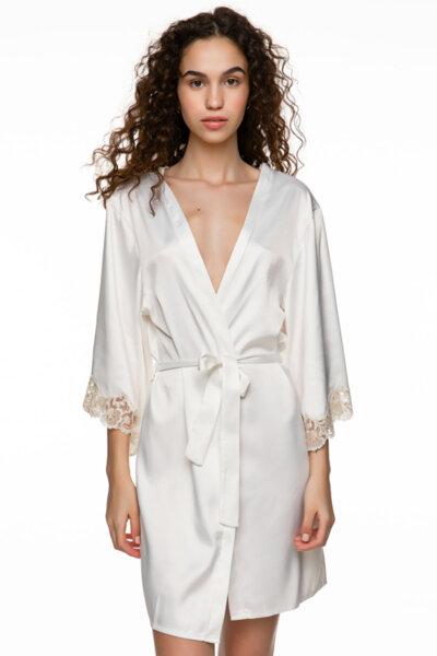Бяло кимоно сатен и бродерия