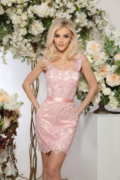 ЛИМИТИРАНА рокля  корсет с бродирана дантела и мъниста - любима на Меги