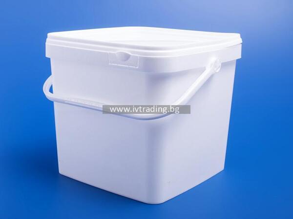 Пластмасова кутия 10,6 л. квадратна