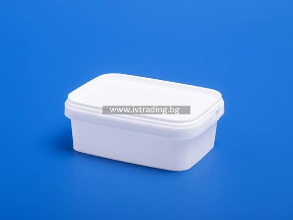 Пластмасова кутия 250 мл. правоъгълна