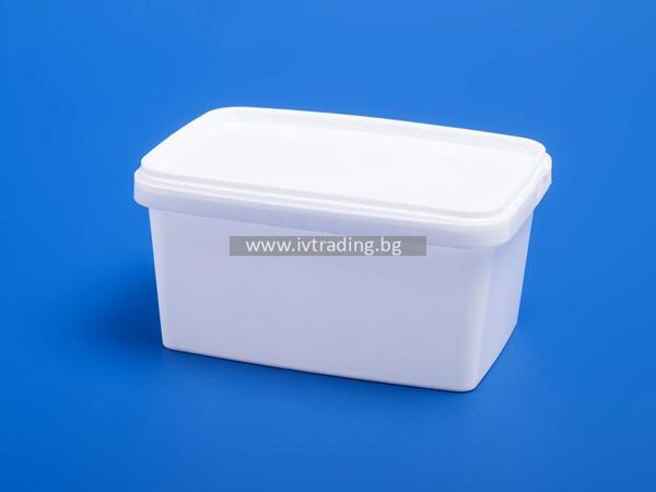 Пластмасова кутия 600 мл. правоъгълна