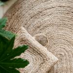 Овален килим от юта