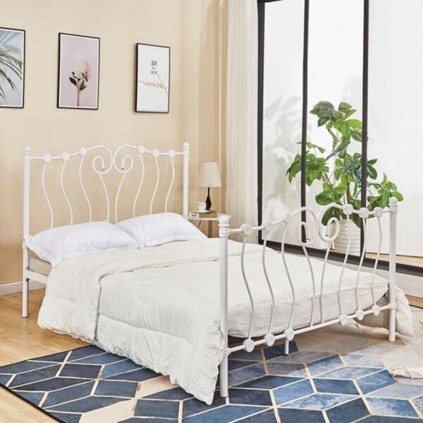 Спалня от метална бяла матирана рамка