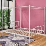 Метална спалня с небесен цвят