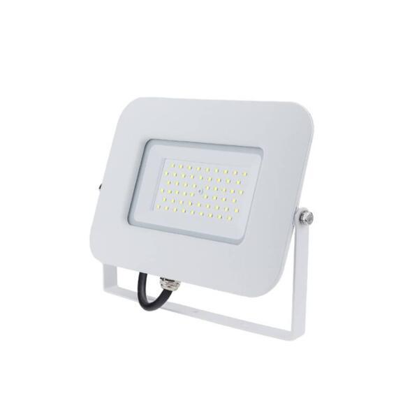 LED SMD ПРОЖЕКТОР БЯЛ 50W AC170-265V 150° IP65 2800K 70CM CABLE
