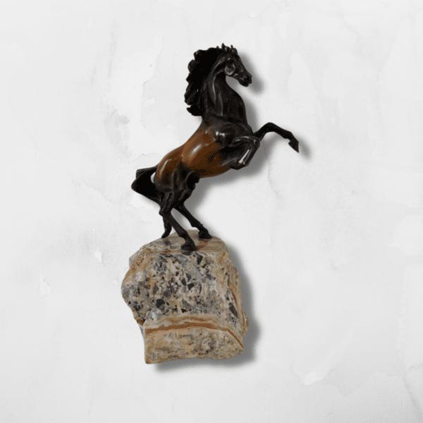 """Скулптура """"Кон Свободен"""" (малък)"""