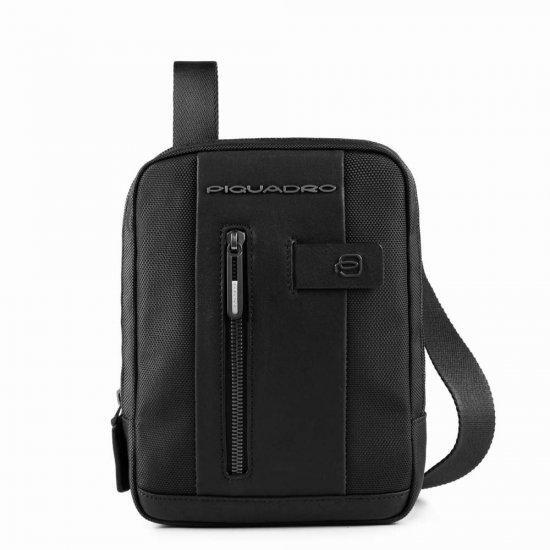 Вертикална чантичка за рамо Piquadro Brief с отделение за iPad MINI_ MINI 2_ iPad MINI 3 черна