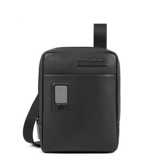 Компактна вертикална чантичка за рамо Piquadro AKRON с отделение за iPad mini/iPad mini3, черна