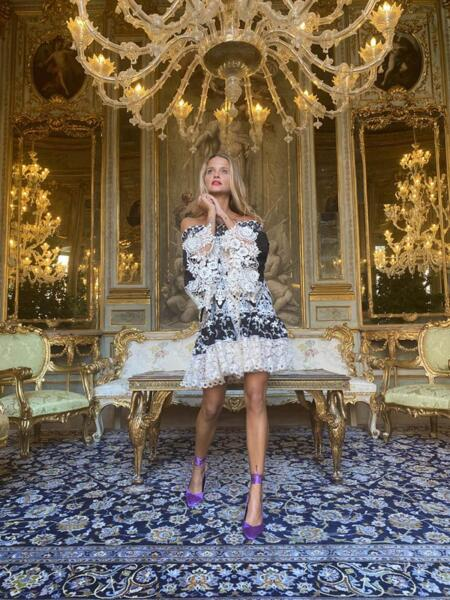 Къса рокля с голи рамене AW070 Moda di Napoli