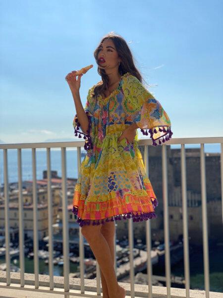 Къса рокля с голи рамене AC578 Moda di Napoli